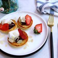 巧克力草莓棉花糖三明治