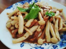 海鲜菇炒猪肉