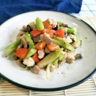 口蘑芦笋炒鸡胸