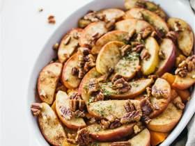肉桂烤苹果山芋配山核桃