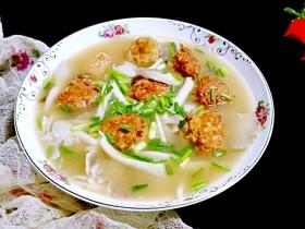 金山银海~秀珍菇肉圆汤