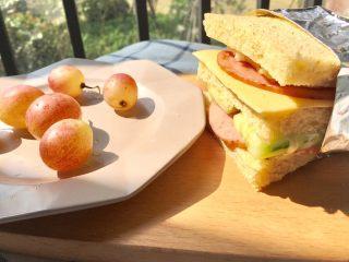 快手早餐 I 吐司三明治(简易版),对于懒人或者时间紧迫的人来说,这个真的是快手早餐哦!