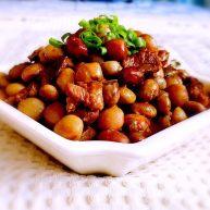 梅花肉烧角豆