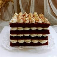 """可可<span style=""""color:red"""">奶油</span><span style=""""color:red"""">蛋糕</span>"""