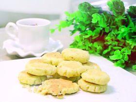 酥松饼干 宝宝辅食,面粉+玉米淀粉+鸡蛋