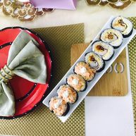 """<span style=""""color:red"""">寿司</span>🍣🍣"""