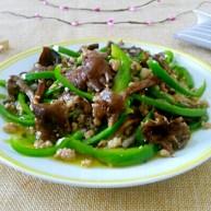 尖椒肉末炒榛蘑