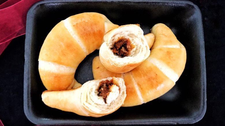 早餐+一次性发酵牛角肉松面包(无糖低油)