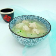 一碗汤+简单不失美味的冬瓜丸子汤