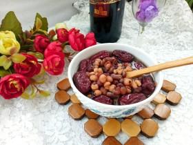 早餐+薏米红豆桂圆大枣粥