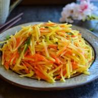 早餐+清炒土豆胡萝卜丝