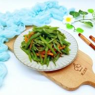 绿色美食+香炒翠绿豆角丝