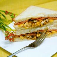 快手早餐鸡蛋火腿三明治