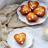 爱心杏仁片海绵蛋糕