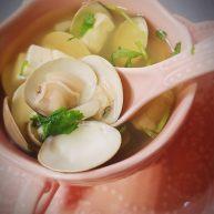 文蛤豆腐蟹味菇菌汤