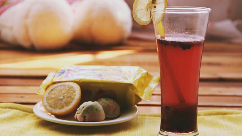 冬喝暖饮夏吃冰~蓝莓葡萄雪碧饮