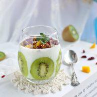 水果酸奶杯