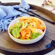 #懒人料理# 西红柿炒鸡蛋圆白菜
