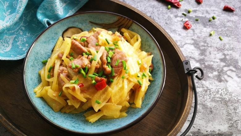 家常土豆片烩瘦肉