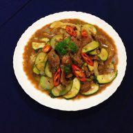 蚝油牛肉炒栉瓜