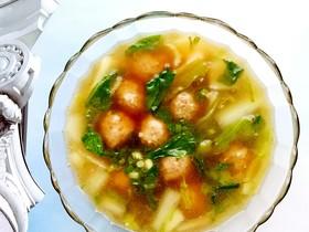 黑山猪肉丸奶白菜汤