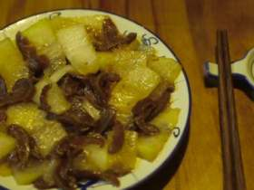豆瓣酱猪大肠炒荷兰豆