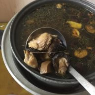 萝卜干香菇鸡汤