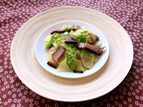 快手菜-腊肉土豆片