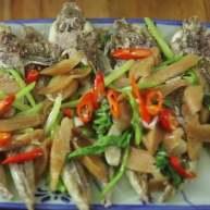 菜脯炒淡角鱼