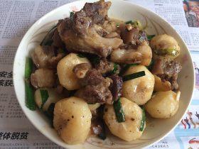 蒜苗马蹄焖羊肉