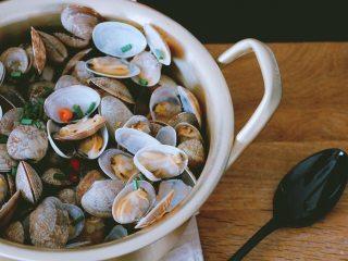 深夜食堂之酒蒸蛤蜊,好了,可以开吃咯!