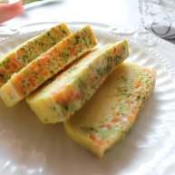 西兰花胡萝卜鸡蛋蒸糕(适合12个月龄以上的宝宝)