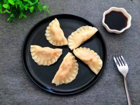 厨房挑战+荤菜+胡萝卜猪肉馅饺子