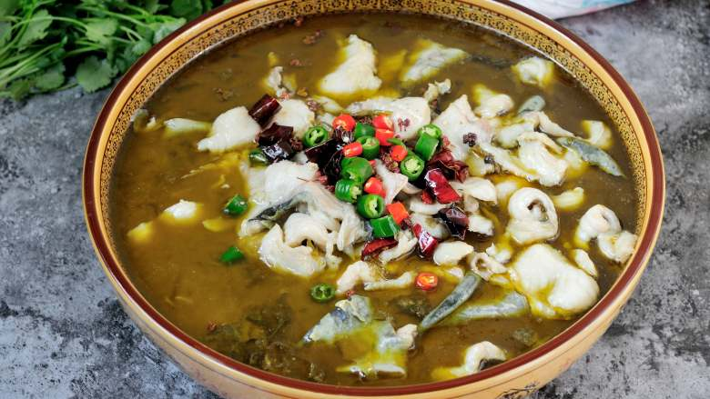 快手酸菜鱼 鱼肉鲜嫩酸菜爽口的宴客硬菜