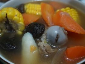 超简单味道超赞的 棒骨汤