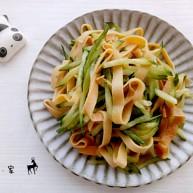 熏干豆腐拌黄瓜丝