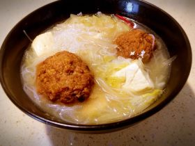 狮子头酸菜豆腐粉丝砂锅