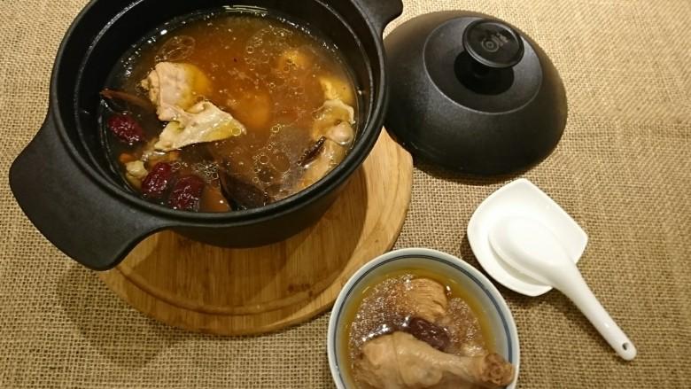 灵芝淮杞红枣煲鸡