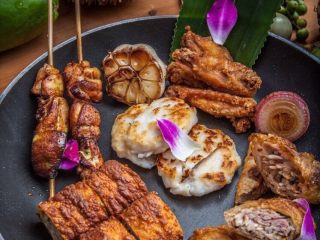 马来西亚烤肉串,吃的时候可以挤一点柠檬汁,解腻