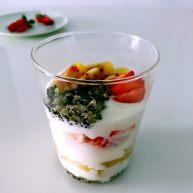 藜麦酸奶水果杯