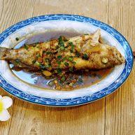 红烧野生石斑鱼 (内附煎鱼不粘锅窍门)