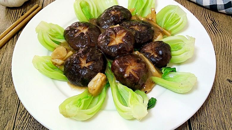 创意摆盘~蚝油香菇油菜