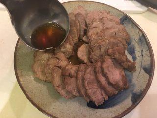 日式啤酒煮,淋上先前的煮汁