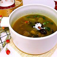 红蘑养生鸡汤
