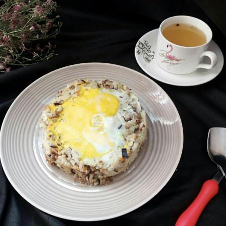 肉末杂蔬太阳蛋蒸饭