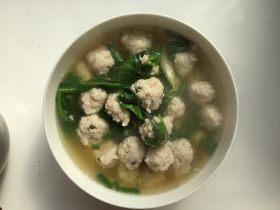 豌豆尖肉丸汤