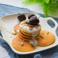 酸奶松饼+酸奶燕麦淋面(无泡打粉)