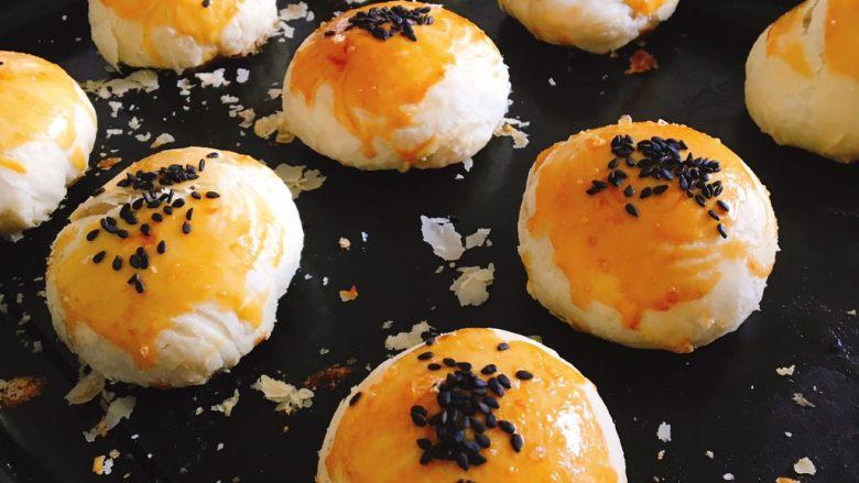 蛋黄酥(无蛋黄南瓜肉松麻薯馅)