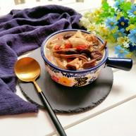 茶树菇鸡架汤