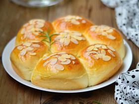 扁桃仁餐包